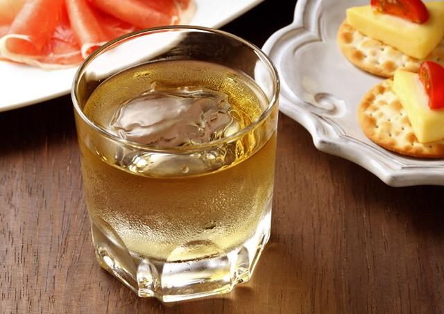 新年会のウイスキーロック