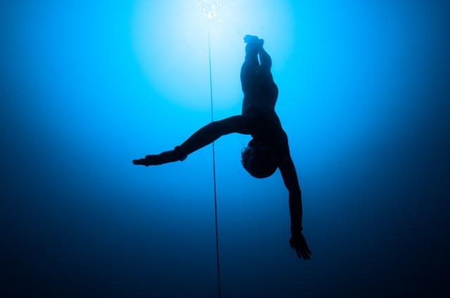 挑戦とは、海と自分の肉体を対峙させること プロフリーダイバー 篠宮龍三