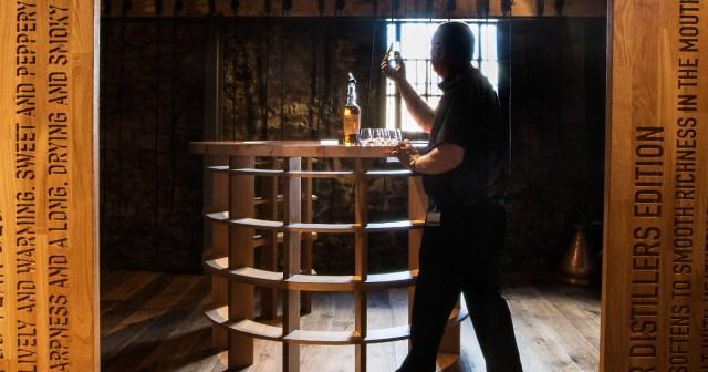 ウイスキーの特徴について説明する短文が「テイスティングノート」ですが、ウイスキーの味や香りの感じ方は千差万別!