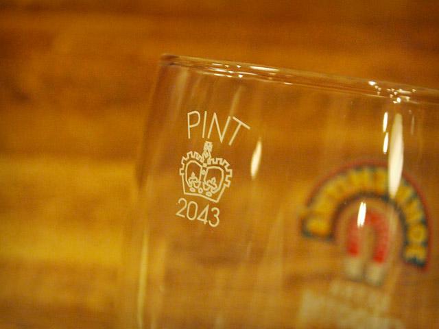 英国規格のパイントグラス