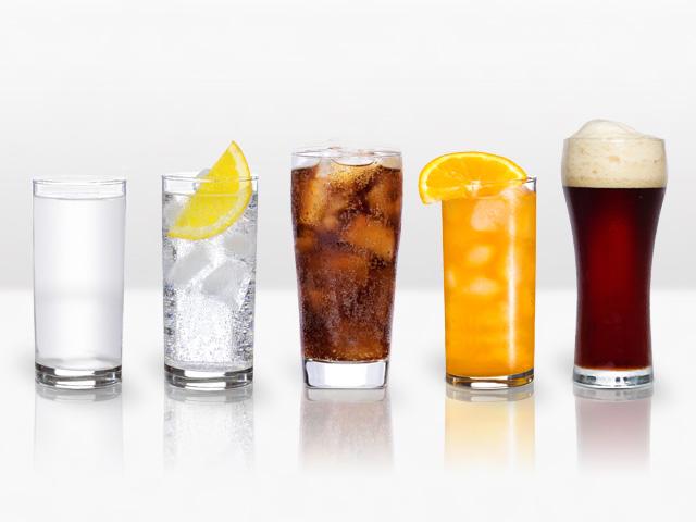 チェイサーにお水、ジュース、炭酸水、黒ビール