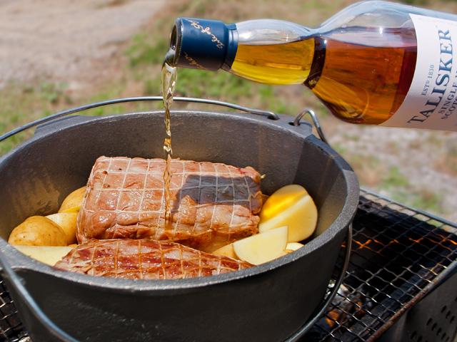 タリスカー流 バーベキューにはダッチオーブンでローストポーク