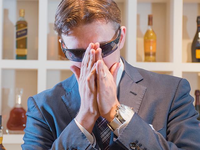 ウイスキーのいろいろな香りが飛ばされ、バックボーンとなっている香り、すなわち大麦の香りが手のひらに残る