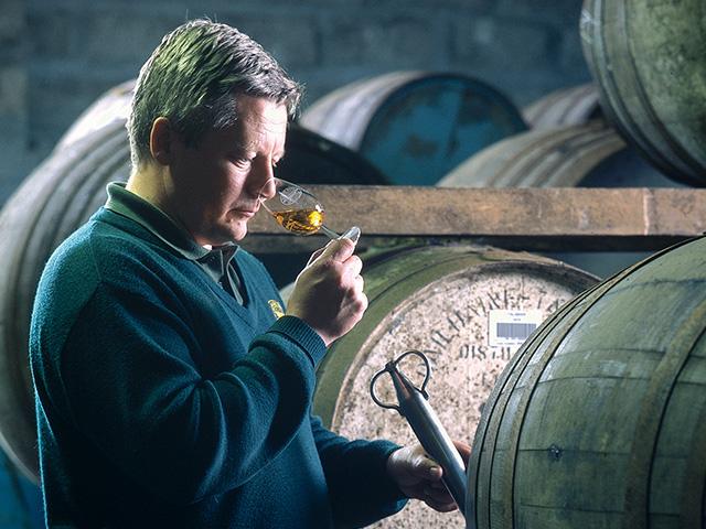 熟成年数が表示されたシングルモルトウイスキーは高価=高級なイメージがありますね。