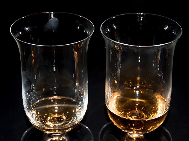 ハンドメイドとマシンメイド 2つのシングルモルトグラス