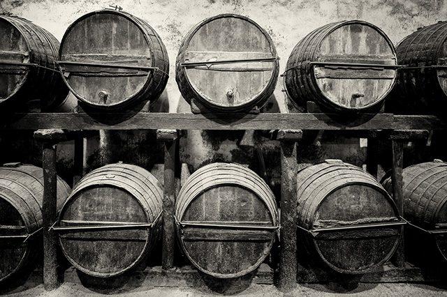 ウイスキーの熟成に必要不可欠な樽は、もともと○○するためのものだった!?