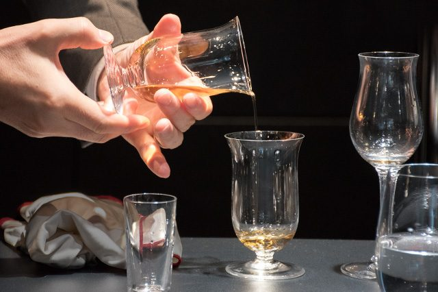 グラスを「リンス」